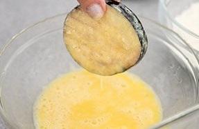 баклажаны в яйцах