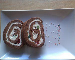 Рулет из печенья и творога