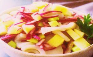 Салат из кальмара и яблока