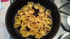 жарим макароны