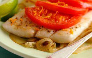ryba zapechennaya s pomidorami