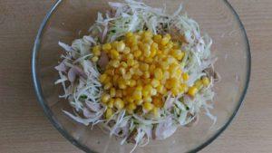 kukuruza v salate