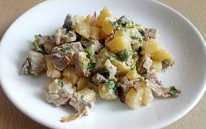 kartofelnyj salat s indejkoj