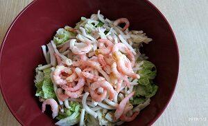 креветки и кальмар в салате