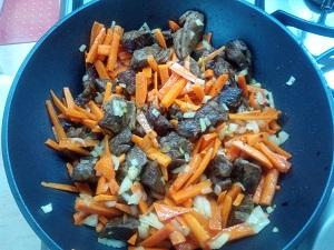 жарим овощи и мясо