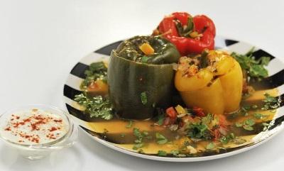 фаршированные перцы с соусом