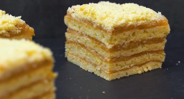 песочный яблочный торт
