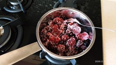 ягода в сахаре