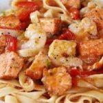 паста с лососем и креветками