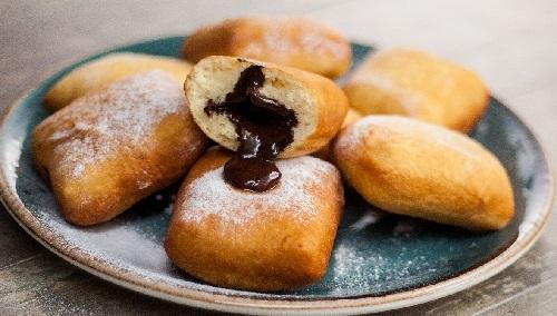 пончики с шоколадной начинкой