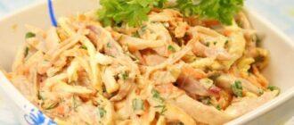 салат из копченых колбасок и огурчиков