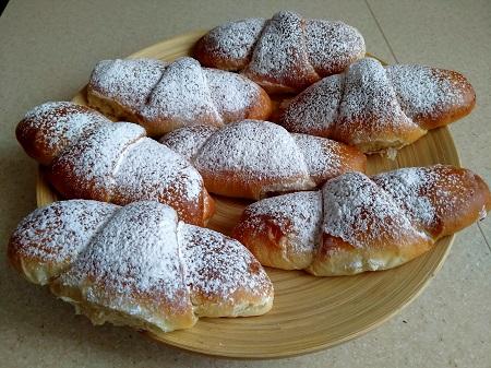 простые булочки с начинкой