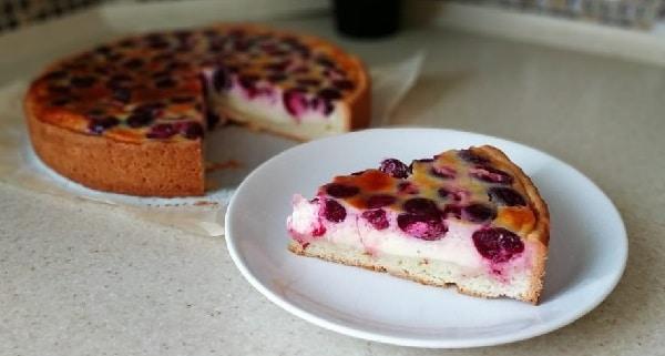сметанный пирог с черешней